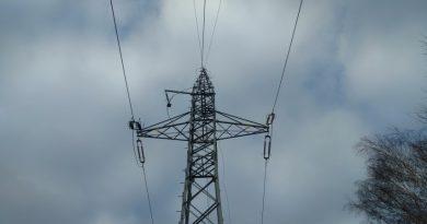 Mufy światłowodowe na kablach energetycznych OPGW